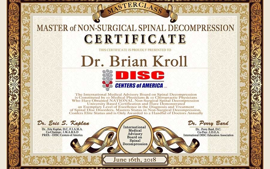 Dr  Kroll receives his Masters Certificate in Non-Surgical